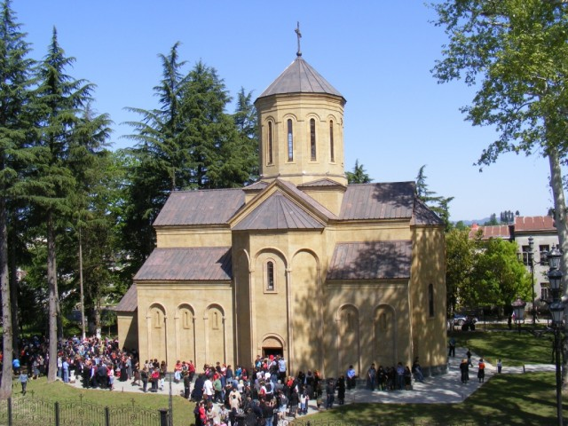 http://upload.wikimedia.org/wikipedia/commons/1/17/Church_in_ozurgeti.JPG